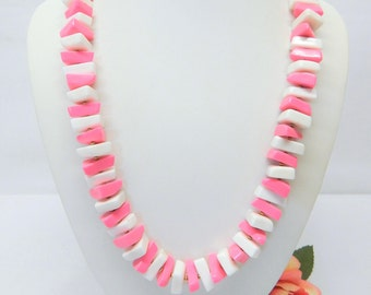 Vintage Crown Trifari Pink & White Lucite Bead Necklace