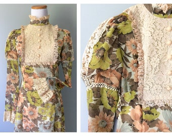 Vintage Gunne Sax Style Dress 1960s 70s Prairie Boho Peasant Long Sleeve Green Floral Maxi Floor Length Ivory Beige Lace Size 0 2 XS X-Small