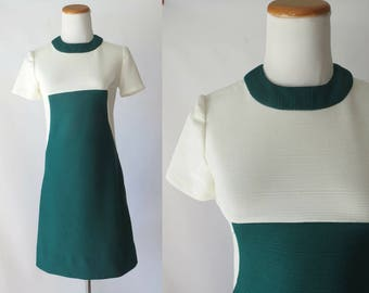 Mod Mini Dress 60s Shift Dress 1960s Go Go Scooter Dress Forest Green White Colorblock Size Small High Neck Short Sleeves