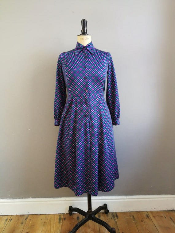 Vintage 70s shirt dress / 70s shirt dress / mod / navy dress with pink and green geometic pattern / boho retro dress mid length dress Uk 10