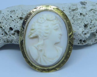 Vintage Antique late Victorian carved angel skin coral 10k gold Flora cameo pendant pin brooch