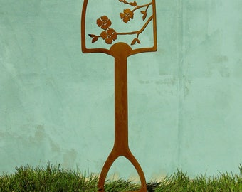 Metal Garden Art Shovel Handle | Bird Garden Decor | Metal Bird Yard Art |  Garden