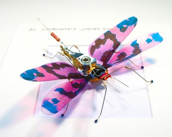 Framed Steampunk Dragonfly Art Christmas Present Pink Wings Insect Sculpture Circuit Board Bug Wall Art Home Decoration Living Room Art