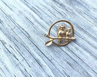 Vintage 80s Gold Owl Brooch Pin