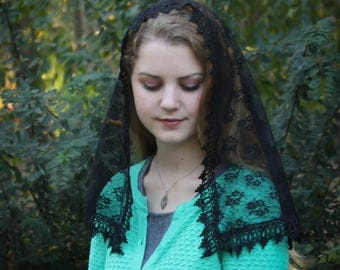 Evintage Veils~ Black Chantilly Lace Mantilla Chapel Veil Classic D Shape
