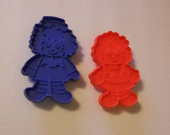 Vintage Raggedy Ann and Andy Cookie Cutters