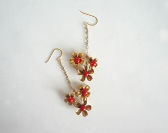Gold Red Bridal Earrings, Floral earrings, Gold Red Flower Earrings, Bridal Jewelry, Bridal Shower Gift, Bride Accessory, Gold Weddings