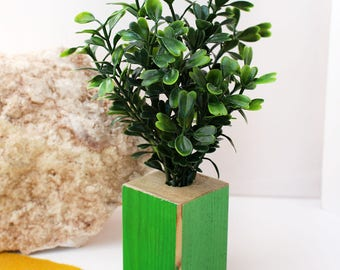 Leafy Green Giant - Miniature Modern decor, 1/12 or 1/6 scale
