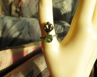 Handcrafted 3.02ctw Genuine Peridot Natural Rough Cut 14K Yellow Gold over 925 Sterling Silver Ring Size 7, Wt. 2.8 G