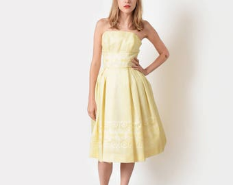 1950s Yellow Tulle Party Dress with Lace Underlay 50s Vintage Strapless Party Dress 24 XS