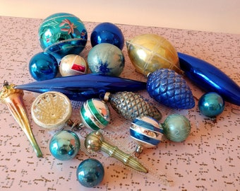 Vintage Christmas ornaments, Set of 19 vintage Christmas tree glass ornaments