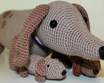 Dog with puppies in the belly crochet pattern