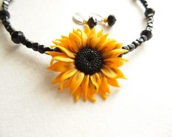 Sunflower necklace sunflower pendant polymer clay jewelry wedding jewelry sunflower jewelry bridesmaid jewelry floral jewelry flower pendant