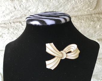 Vintage Trifari Brooch // Crown Trifari Brooch // Abstract Ribbon Brooch // White Enamel Ribbon Brooch // 60s Brooch