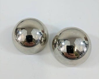 SALE Vintage Chrome Clip On Earrings // Retro // Statement // Round Earrings // Silver //60s Jewellery // Jewelry // Gifts For Her