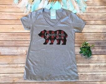 Grandma Shirt, Plaid Grandma Bear Shirt, Buffalo Plaid Shirt, Grandma Gift, Gifts for Grandma, Womens Graphic Tee, Pregnancy Reveal Shirt