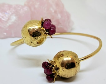 ESHQROCK CRIMSON Pomegranate Ruby Beads Cuff Bracelet 22K Gold Brass Plated