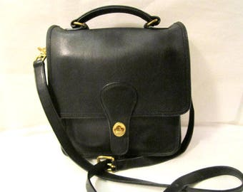 Leather COACH purse Station style messenger bag  Vintage Coach purse Black leather purse.