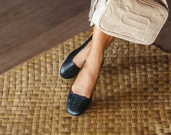 LUNA. Black leather flats/ black shoes / leather flat shoes / women flats / leather ballet flats. Sizes 35-43. Available in different colors