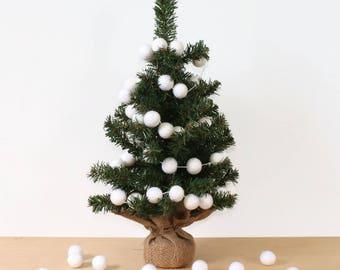 White Felt Ball Garland for Christmas Trees, Pom Pom Garland, White Felt Balls, Christmas Tree Decor, Christmas Party Decor, White Christmas