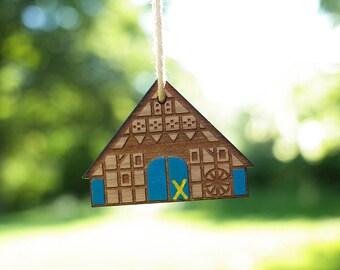 German farmhouse - key ring pendant, blue