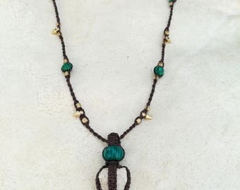 Tribal Primitive Fosil Malachite macrame pendant. Handmade macrame necklace with natural gemstones. Macrame jewerly by Bella Marietta