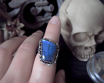 Blue Labradorite Ring, Witchy Ring, Unusual Ring, 17mm Ring