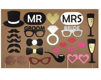Wedding Photo Booth Props / Mr & Mrs / Glitter Photo Props / Bride and Groom Props / Wedding Party Props / FULLY ASSEMBLED / 25 PC