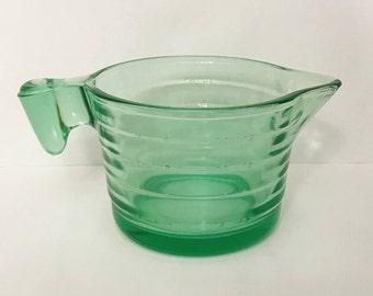 Depression Glass Measuring Cup - Green - US Glass - Kitchen Glassware - Vaseline Uranium Glass
