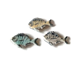 set of 3 fish magnet, pottery fridge magnet, small handmade refrigerator magnet, cute clay kitchen magnet, sea magnets, unique kitchen decor