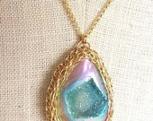 Flame aura druzy agate rainbow quartz teardrop gold mesh necklace pendant wire crochet preciousmeshes