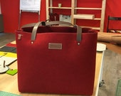 FELT XL easy bag GRIFT  in red with leather details.