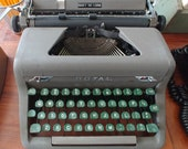 1950s Vintage Royal Quiet DeLuxe Manual Typewriter, Antique, Pre-Owned, Olive Green, Working Typewriter, Retro Prop