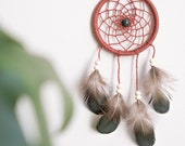 Dreamcatcher pour rétroviseur / #66 / coton, plumes naturelles et pierre fine - mini -