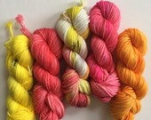 """Set of 5 x 10g mini skeins on 4ply Platinum sock yarn """"Fire Walk With Me"""""""