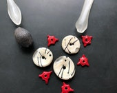 Handmade lampwork glass bead necklace set by Lori Lochner Black and white graphic blown glass bead set artisan jewelry supplies