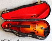 """Vintage Miniature Wooden Violin with Bow in Black Case 7"""" Long string musical instruments (ref: 3175)"""