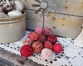 Primitive Bowl Fillers, 12 Mini Rag Balls, Red Rag Balls, Primitive Decorating, Country Farmhouse, Nursery Decoration, Small Bowl Fillers