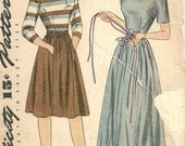 Simplicity 4473 / Vintage 40s Sewing Pattern / Skirt Blouse / Size 14 Bust 32