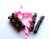 3/6/12pcs polymer pink strawberry and chocolate flakes, whip fake candy cabochons, NOT EDIBLE decoden, jewellery, craft supplies,