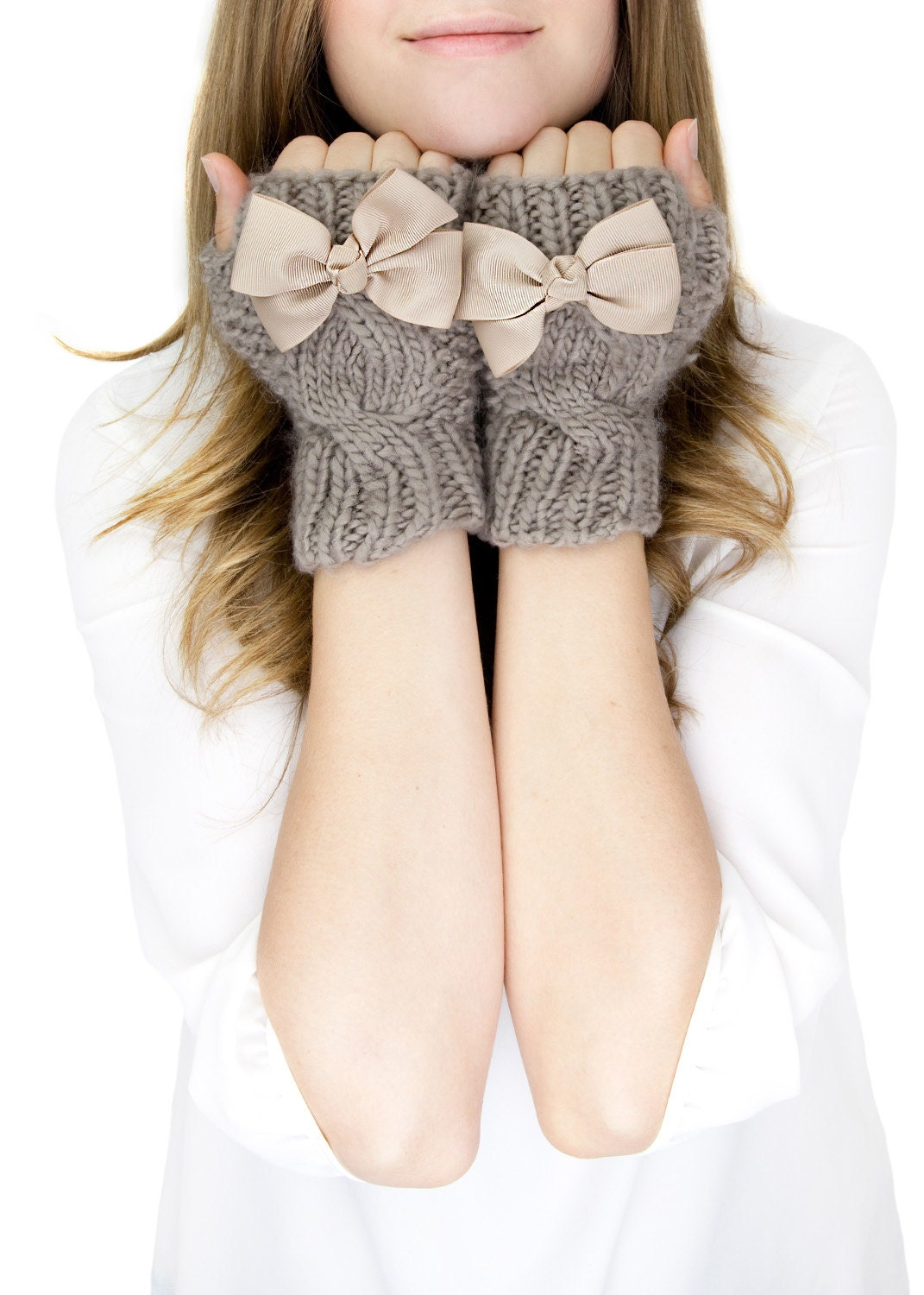 CHUNKY TAN KNIT mittens, fingerless knit gloves with bow, black knit gloves, knit bow gloves, wool - gertiebaxter