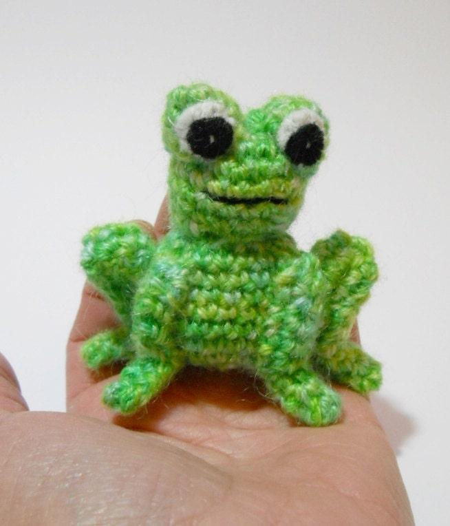 Amigurumi crochet miniature frog green wool by ...