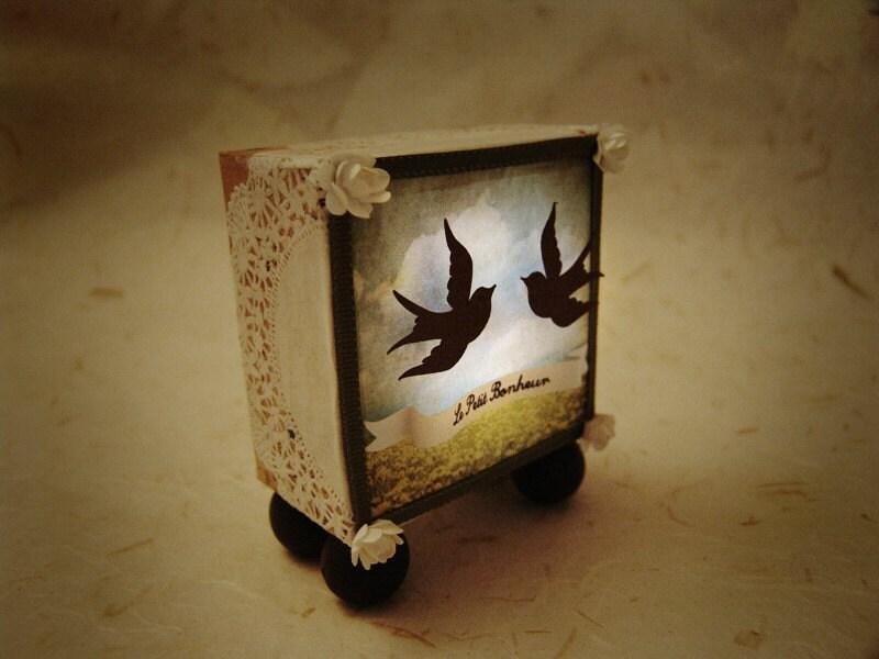 Handmade light box display -Le petit bonheur-