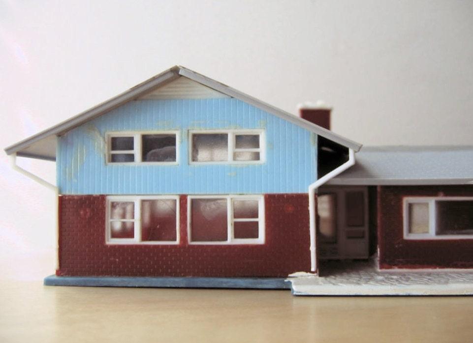 Split level ranch model home kit ho scale by ionesattic on for Split level kit homes