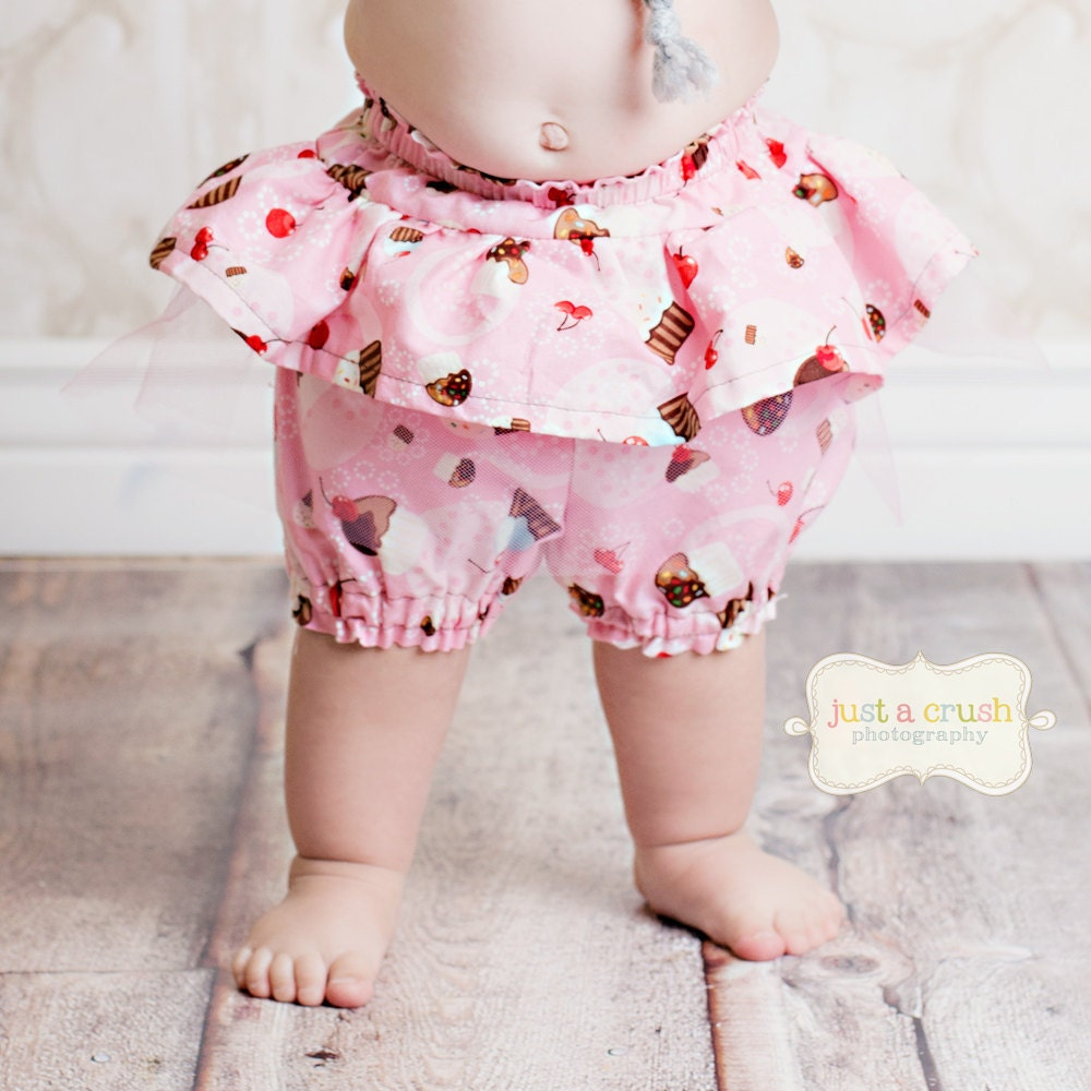 Free pattern: A-Line skirt for a Groovy Girl doll · Sewing