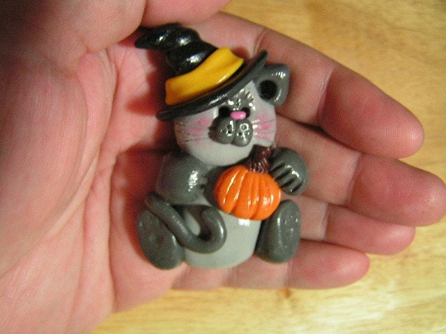 Grey Halloween Cat- PIn