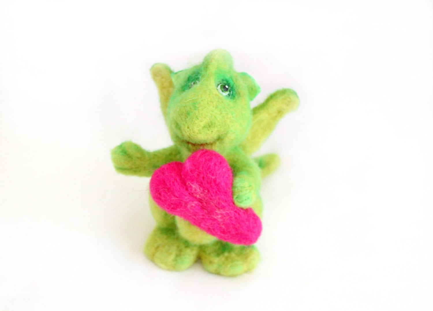 Needle Felted Toy. Little Green Dragon  with a heart in his hands - Textilledolljulia