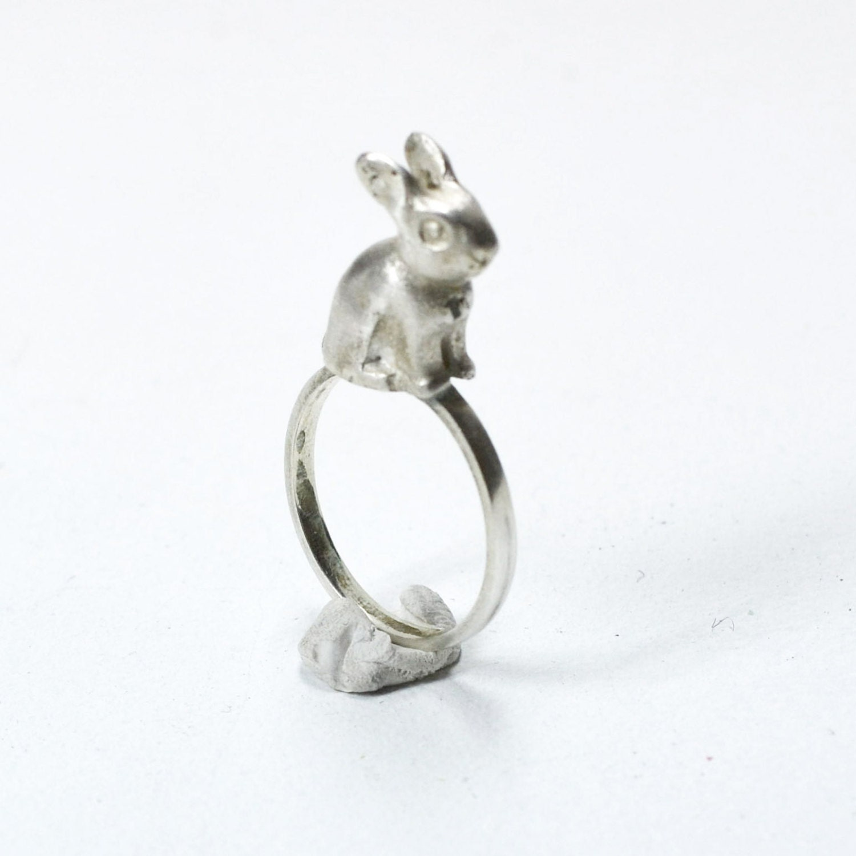 Silver Ring with Rabbit on top - korneliaShop