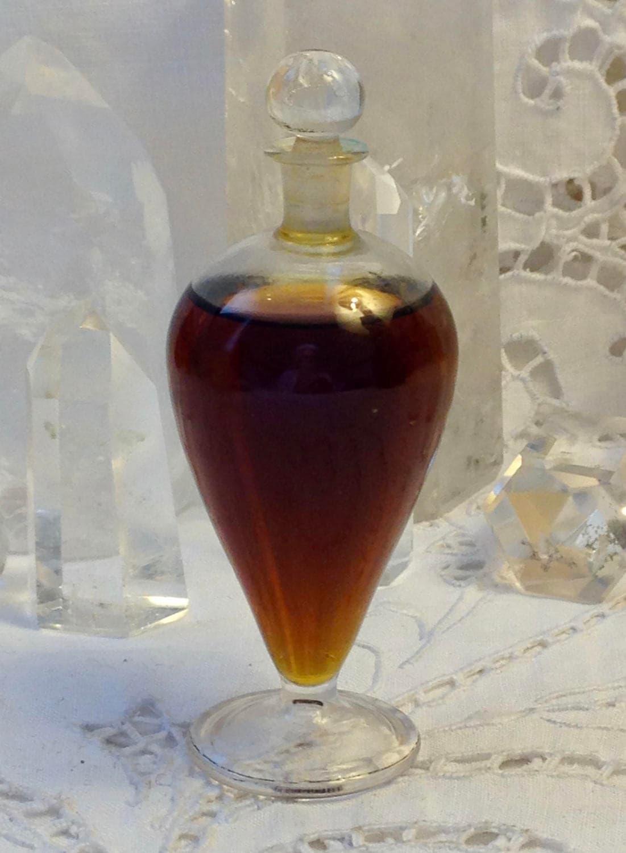 Pierre Dune LAmphore Bleue 25 ml. of 0.85 oz. Flacon Amphore 1939 Paris France ..