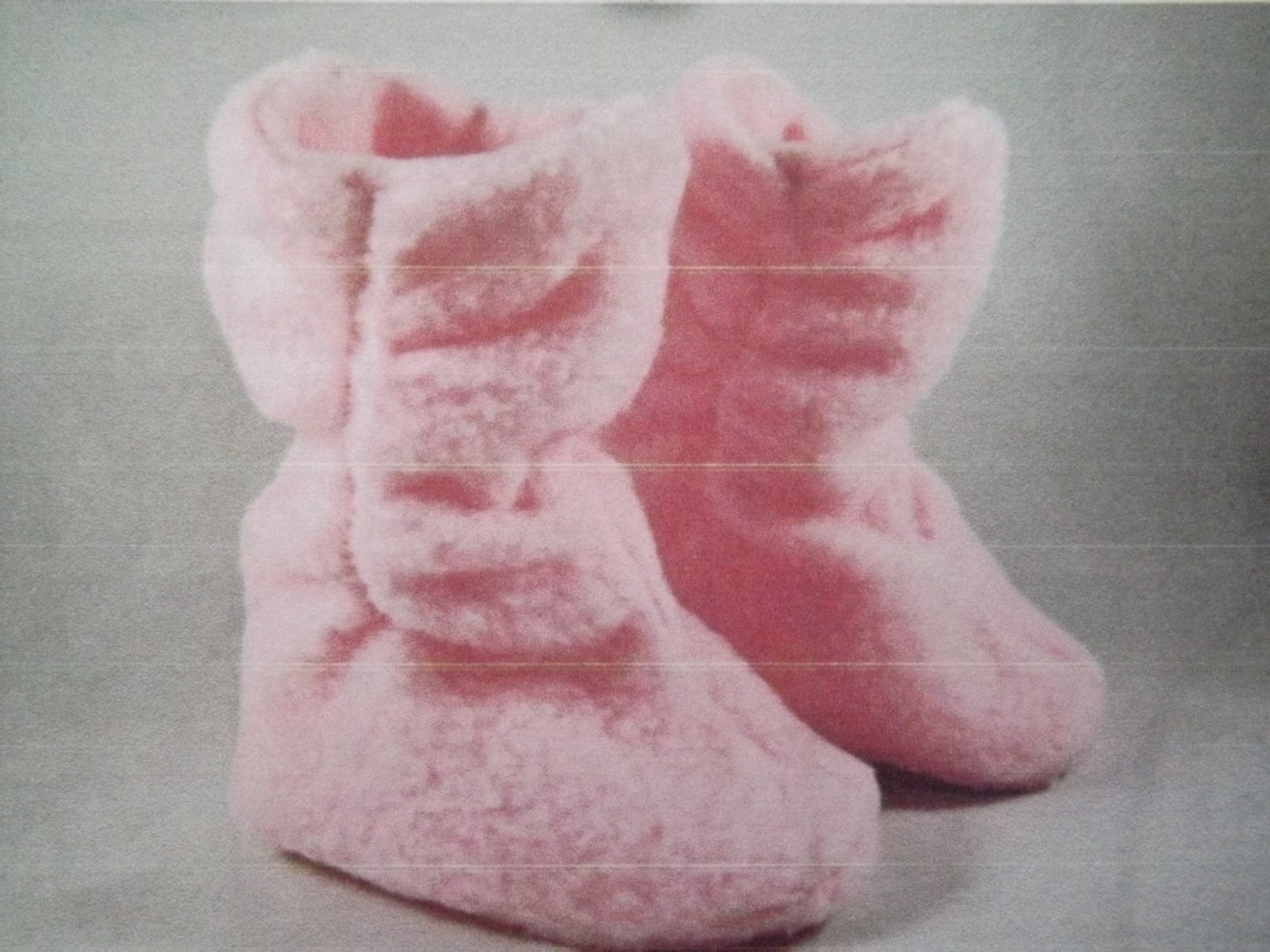Fleece Booties Slippers DOUBLE Layers FLEECE Toddlers Kids multicolors Pinks Blues White Brown Black Gray - SewingMemere
